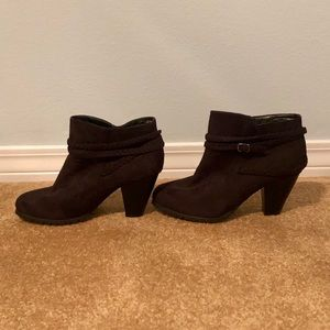 Shoes - Faux- Suede booties